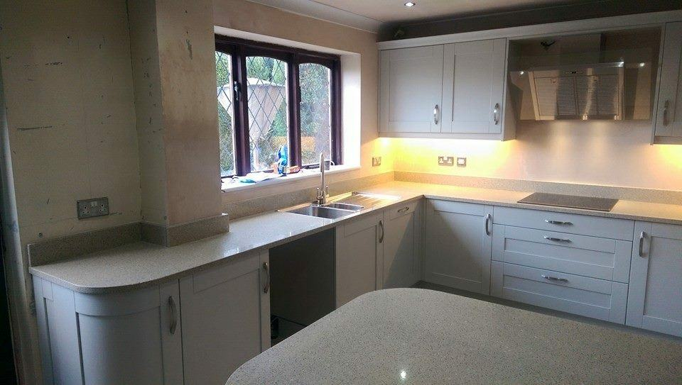 Traditional White Kitchen Wortley