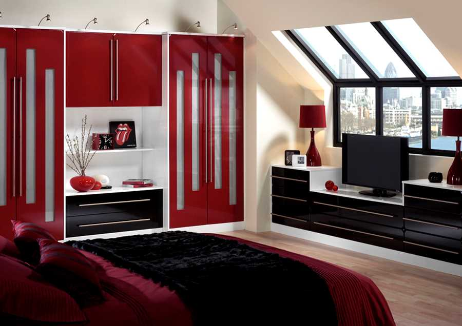 Winwick High Gloss - Red and Black